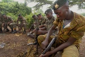 640px-Burundi_peacekeepers_prepare_for_next_rotation_to_Somalia,_Bjumbura,_Burundi_012210_(4324781393)